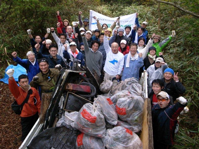 3社合同富士山麓清掃活動を実施しました!