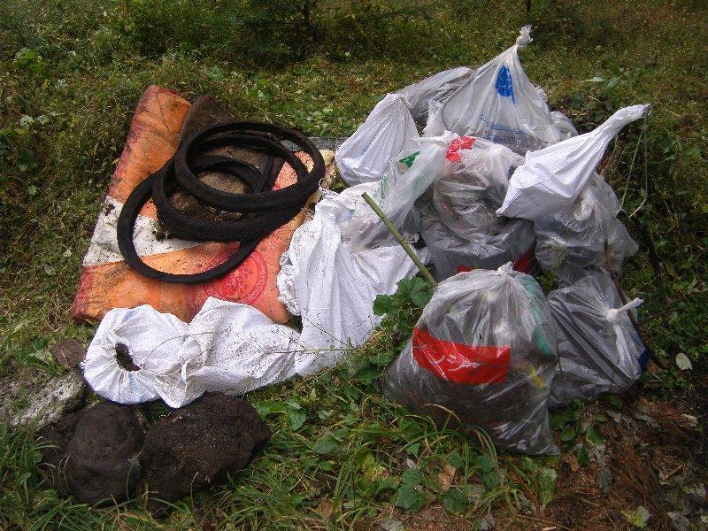 世田谷区立弦巻中学校の皆さんと清掃活動を実施しました!