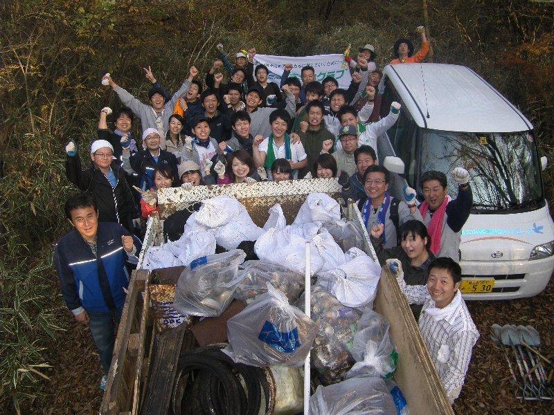 ワタキューセイモア株式会社の皆さんと清掃活動を実施しました!