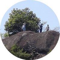岩壁上.jpg