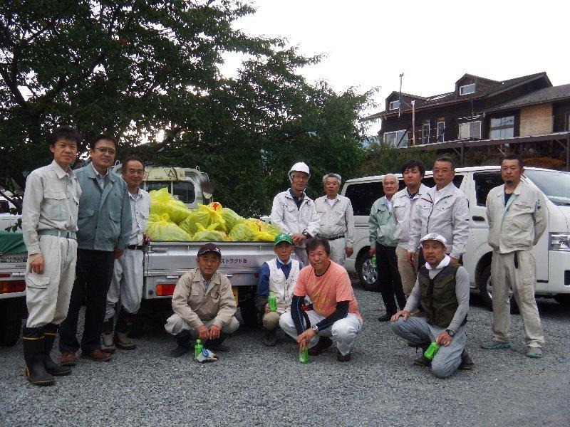 富士河口湖町建設業協会の皆様とアレチウリ駆除活動を実施!