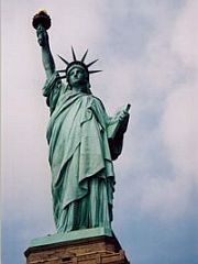 自由の女神