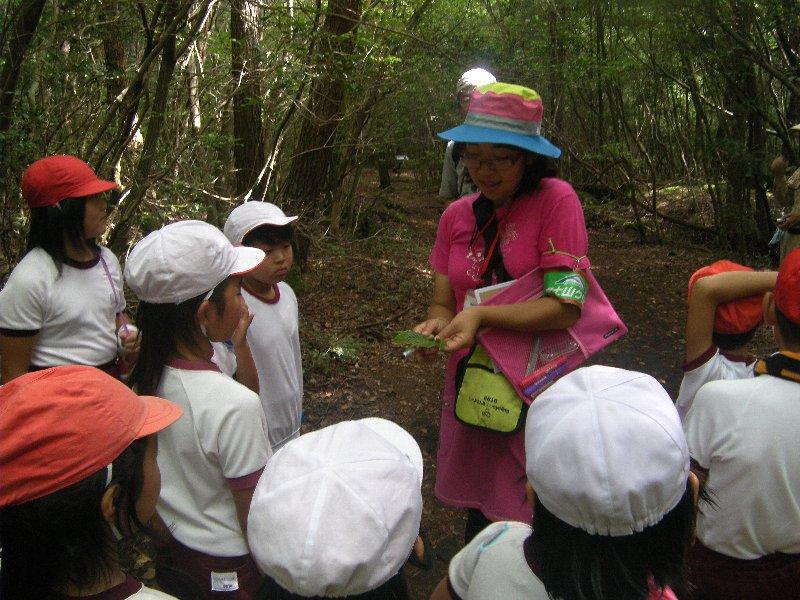 上野原市立西原小学校のみんなと林業体験&トレッキングを実施しました