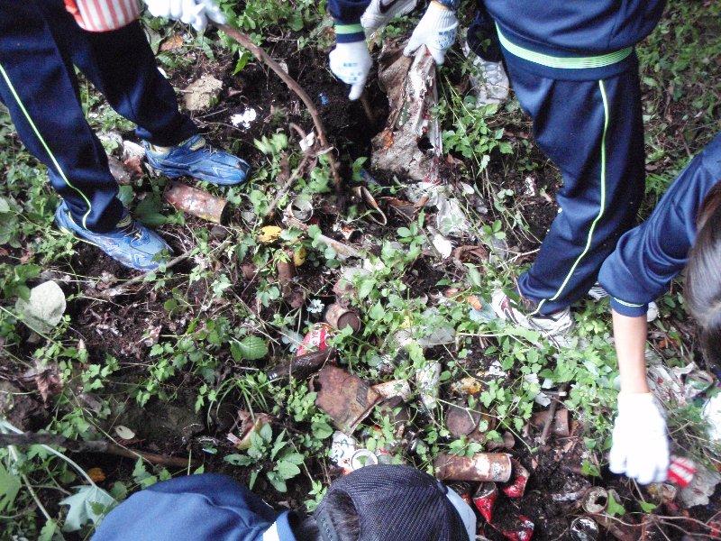 世田谷区立緑丘中学校の皆さんと清掃活動を実施しました!