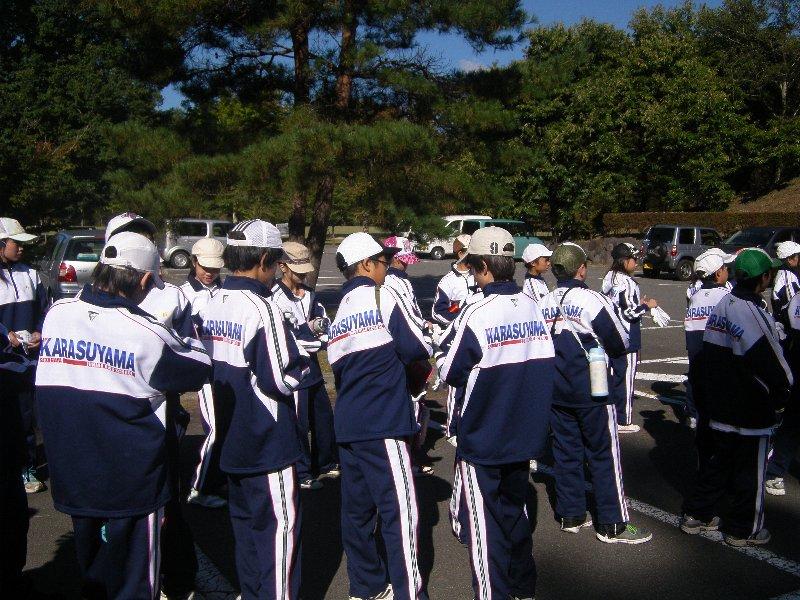 世田谷区立烏山中学校の皆さんと清掃活動を実施しました!