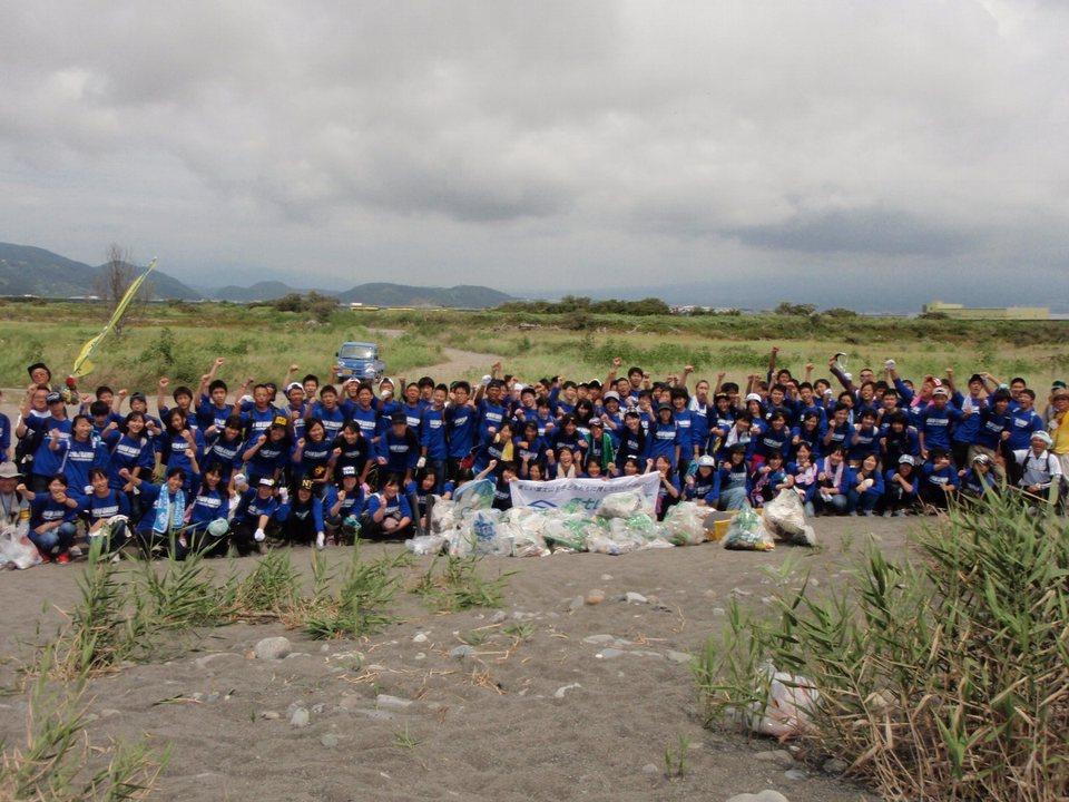 錦城学園高等学校のみなさんと清掃活動を実施しました!